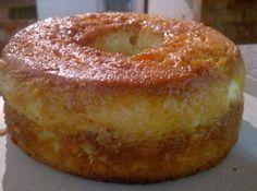 Ingredientes Bolo: 2 xícaras (chá) de farinha de trigo 1/2 xícara (chá) de leite 4 colheres (sopa) de margarina 3 ovos 1 xícara (chá) de