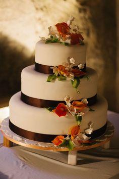 Tuscan-style inspired cake www.tuscaniaevents.com