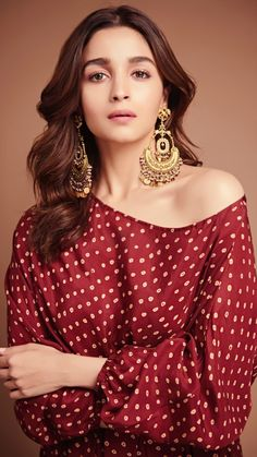 Alia Bhatt has been seen wearing one gorgeous Indian outfit after another for her movie promotions. Check all of Alia Bhatt's Indian Looks here with prices. Beautiful Bollywood Actress, Beautiful Indian Actress, Beautiful Actresses, Indian Celebrities, Bollywood Celebrities, Bollywood Stars, Bollywood Fashion, Bollywood Jewelry, Indian Bollywood