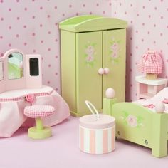 Our quality wooden dolls house furniture & accessories add the perfect finish to any doll house. Buy our doll house furniture sets online today at Mulberry Bush. Wooden Dolls House Furniture, Painting Wooden Furniture, Bedroom Furniture Sets, Miniature Furniture, Dollhouse Furniture, Bedroom Toys, Dollhouse Interiors, Miniature Rooms, Wood Furniture
