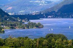 Auf diesem wunderschönen See könnt ihr mit der Ossiachersee Schifffahrt fahren! ;-)