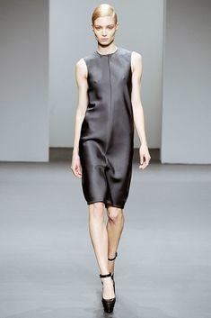 Calvin Klein Collection Fall 2010 Ready-to-Wear Fashion Show - Melissa Tammerijn