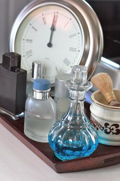A tray on my husband's vanity keeps his items neat and organized.  #organizedliving #homeorganization