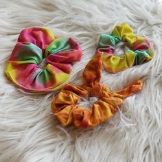 Sewing up Scrunchies Scrunchies, Make Your Own, Sewing Projects, Weaving, Velvet, Threading, Fabric, Safety, Scrap