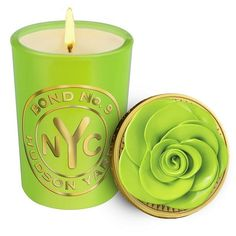 Bond No 9 Hudson Yards Scented Candle (315 BRL) ❤ liked on Polyvore featuring home, home decor, candles & candleholders, candles, filler, house, home items, white candles, peony scented candle and rose candle