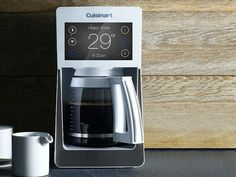Coffee pot Justin Wagoner of The Agency San Diego has taken seven household items and reimagined them in the style of Apple's iOS. Ios 7, Everyday Objects, Drip Coffee Maker, Household Items, Brewing, Tea, Design, Coffeemaker, Concept