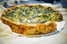 KNUSPERKABINETT: Wirsing-Spinat-Quiche mit Kartoffelboden und Blumenkohl-Kichererbsen-Guss