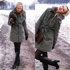 Zara Green Coat, Vintage Brown Clutch, Primark Brown Mittens, Danija Leather Boots