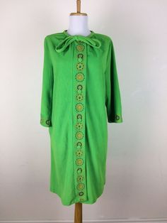 Vintage 1960s Dress Robe Terrycloth Green Embroidered Floral Shift Size Large  #Shift