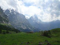 045 – Mein Abenteuer Alpenüberquerung – Rosenlaui-Schlucht und dann hoch zur Grossen Scheidegg Die Rosenlaui-Schlucht ist der Wahnsinn. Und die Wanderung hoch zur Grossen Scheidegg ist auch unfassbar schön. Der Morgen startete mit einem ...  #alpen #alpenüberquerung #backpacker #barfuss #bushcraft #Camping #dankbar #daslebenistschön #daslebenleben #draussenistsamschönsten #goodlife... Bushcraft Camping, Outdoor, Mountains, Nature, Travel, Life Is Beautiful, Madness, Grateful, Adventure