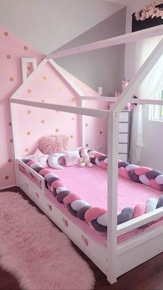 Baby Bedroom, Baby Room Decor, Girls Bedroom, Toddler House Bed, Diy Pallet Bed, Cute Bedroom Ideas, Daughters Room, Big Girl Rooms, Dream Rooms