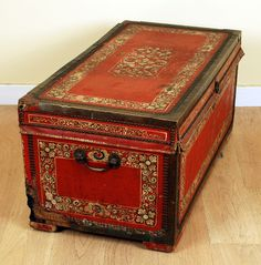 19th Century China Trade Camphor Wood Chest - I'd love to have this chest to store my precious saris