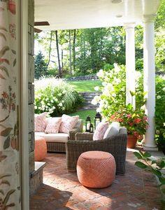 The Enchanted Home: Designer spotlight: Toni Gallagher/ brick patio. Outdoor Retreat, Outdoor Rooms, Outdoor Living, Outdoor Furniture Sets, Outdoor Decor, Porch Furniture, Backyard Retreat, Outdoor Areas, Outdoor Fun