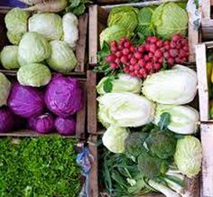 Home Remedies to Fight Cancer using Vegetables-Since diet plays an important role in your overall health, you may want to take a closer look at the kinds of food you consume. There are home remedies that fight cancer right in the produce section Heath Tips, Home Health Remedies, Cancer Fighting Foods, Medical Problems, Chicken Soup, Natural Living, Natural Healing, Helpful Tips, Doctors