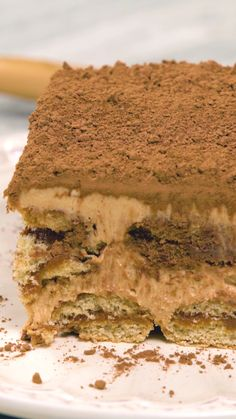 No es un Tiramisú cualquiera, ¡es doble sabor! Köstliche Desserts, Sweet Desserts, Sweet Recipes, Delicious Desserts, Dessert Recipes, Yummy Food, Tasty Videos, Food Videos, Baking Recipes