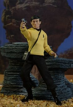 Sulu Star Trek Collective action figure by Mezco Toyz Star Trek Toys, Star Wars, Star Trek Original Series, Star Trek Series, Hikaru Sulu, Star Trek Action Figures, Watch Star Trek, Star Trek Characters, Retro Toys