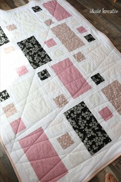 Quilt Pattern, Blanket, Bed, Home, Linen Fabric, Creative, Stream Bed, Ad Home, Blankets