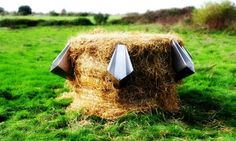 L'uritonnoir: The Straw Bale Urinal That Makes Compost From 'liquid Gold'