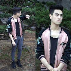 Get this look: http://lb.nu/look/8167103  More looks by Kevin Kinno: http://lb.nu/kevinkinno  Items in this look:  Silk Embroidered Bomber Jacket, H&M Black T Shirt, Leather Belt, Bershka Gray Biker Skinny Jeans, Silver 925 Bracelet, Silver 925 Rings, Bershka Black Trainers   #casual #sporty #street #bomberjacket #satinjacket #japanseembroidered #swallow #japan #brazilian