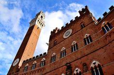 La facciata del Palazzo pubblico ... un classico mai fuori moda. Foto di Mariano Giannì su http://500px.com/photo/64762639