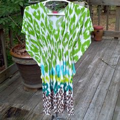 LADIES DRESS Flared sleeves Multi color Polyester/spandex blend Machine wash Under arm to hem 25 inches Sunny Leigh Dresses