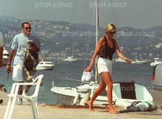 August 1997 Diana, Princess of Wales with Dodi Fayed in the French Riviera resort of St. Princess Diana And Dodi, Diana Dodi, Princess Diana Death, Princess Of Wales, Lady Diana Spencer, Spencer Family, Dodi Fayed, British Nobility, Diana Memorial