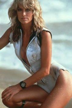 "Farrah Fawcett on the set of ""Sunburn"". Get premium, high resolution news photos at Getty Images Farrah Fawcett, Beautiful Celebrities, Beautiful Actresses, Beautiful Females, Hollywood Glamour, Old Hollywood, Image Mode, Candice Bergen, Kate Jackson"