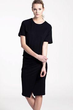 Vid målvikt SKA jag ha denna! Contemplate är en jerseyklänning av återkommande modell i Styleins sortiment. - Stylein