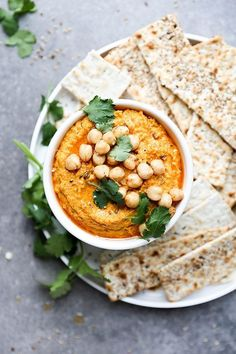 Spiced Roasted Carrot Hummus-An easy vegan, gluten free hummus recipe with roasted carrots, whole spices and tomato paste. Great as an appetizer or as a sandwich spread. Chutneys, Tapas, Appetizer Recipes, Appetizers, Dinner Recipes, Vegetarian Recipes, Healthy Recipes, Vegetable Recipes, Food Inspiration