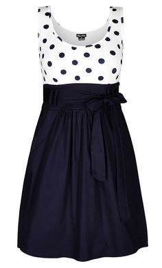 City Chic - CUTE SPOT DRESS - Women's Plus Size Fashion Polka dots are tricky. Curvy Fashion, Look Fashion, Plus Size Fashion, Girl Fashion, Xl Mode, Mode Plus, Pretty Outfits, Pretty Dresses, Beautiful Dresses