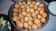 boortsog (fried biscuits)