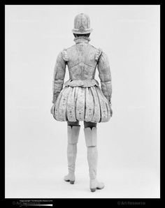Fencing doublet and curthose. c.1580. Image courtesy of the Metropolitan Museum,