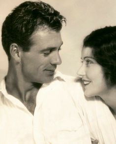 summers-in-hollywood: Gary Cooper and Fay Wray in. - Summers in Hollywood Old Hollywood Movies, Golden Age Of Hollywood, Vintage Hollywood, Hollywood Stars, Classic Hollywood, Hollywood Couples, Hollywood Men, Celebrity Couples, Hollywood Glamour