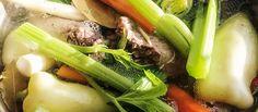 Domáci morčací vývar. Matka všetkých polievok, nedeľná vôňa domova, medicína medicín.  #vývar #polievka #morka #recept  http://varme.dennikn.sk/recipe/domaci-morcaci-vyvar/