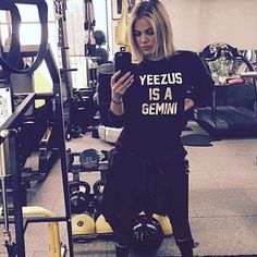 Pin for Later: Celebs Have Already Been Busy Getting Healthy in 2016  Khloé Kardashian was spotted back in the gym.