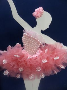 Awesome Quarto Decorado Bailarina that you must know, Youre in good company if you?re looking for Quarto Decorado Bailarina Ballet Crafts, Dance Crafts, Ballerina Silhouette, Ballerina Art, Diy And Crafts, Crafts For Kids, Paper Crafts, Ballerina Birthday Parties, Wedding Cards Handmade