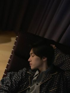 "WayV on Twitter: ""[HENDERY Weibo Repost] 晚安💤 #WayV #WeiShenV #威神V #HENDERY #黄冠亨… "" Nct 127, Winwin, Macao, Prince Eric, Wattpad, Fandoms, Entertainment, Kpop Groups, Taeyong"