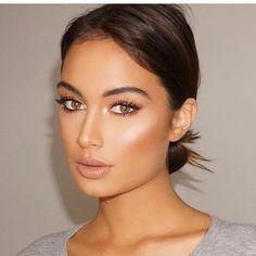10 Illuminating Face Lotions for Glowy, Gorgeous Skin - Wedding Makeup Bohemian Olive Skin Makeup, Glowy Makeup, Hair Makeup, Tan Skin Makeup, Beauty Make-up, Beauty Hacks, Hair Beauty, Make Up Looks, Wedding Hair And Makeup