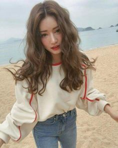 Find images and videos about girl, fashion and hair on We Heart It - the app to get lost in what you love. Ulzzang Hair, Dream Hair, Girl Hairstyles, Korean Hairstyles, Korean Hairstyle Long, Permed Hairstyles, Pretty People, Asian Beauty, Hair Inspiration