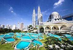 Tour du thuyền 5 sao Ovation of the Seas đi Singapore - Penang - Phuket 6 ngày Ngày khởi hành: 24/03/2017 Giá: 23.900.000 VNĐ Thời hạn đăng ký: từ 08/02/2017 - 14/02/2017 Tư vấn đặt tour: (84.08) 39 201 201 Hoặc hotline: 0925 122 122 Đặt tour online tại đây: https://thegioidulich.com/dangkytour/dang-ky.aspx?idctt=569&lpr=1 Xem chi tiết tại đây: https://thegioidulich.com/tour-du-thuyen/tour-du-thuyen-5-sao-ovation-of-the-seas-di-singapore-penang-phuket-6-ngay-569.html