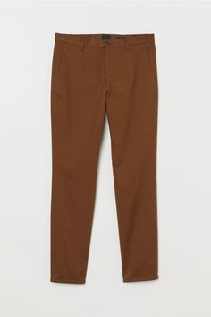 Chinos in washed stretch cotton twill. Zip fly side pockets and welt back pockets. Slim fit - relaxed over thighs and tapered from knees down for a relaxed well-tailored look. H M Man, Silhouette, Fashion Company, Slim Fit, Neue Trends, World Of Fashion, Fitness Fashion, Online Price, What To Wear