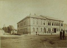 Občanská záložna, 1884 Louvre, Building, Travel, Historia, Viajes, Buildings, Destinations, Traveling, Trips