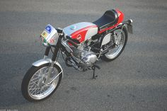 lovely Gilera 124. Used on the Giro d'California