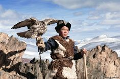 Falcon Boy by Hamid Sardar-Afkhami, This whole site is filled with breathtaking photography of nomadic tribes in Mongolia and Central Asia. People Around The World, Around The Worlds, Le Vent Se Leve, Portraits, Central Asia, Wild Birds, Mood, Photojournalism, Great Photos