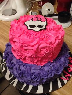 Trendy birthday cake ideas for girls monster high Bolo Monster High, Festa Monster High, Cupcakes, Cupcake Cakes, Monster Party, Monster High Birthday Cake, Cake Birthday, Bolo Halloween, 6th Birthday Parties