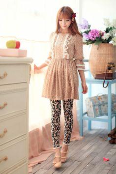 Mango Doll - Lace Trim Floral Leggings, $28.00 (http://www.mangodoll.com/all-items/lace-trim-floral-leggings/)