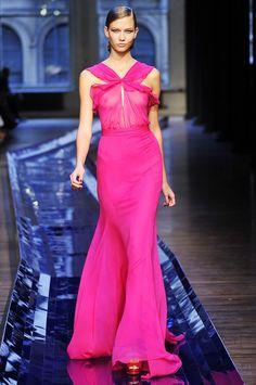 #KarlieKloss in #JasonWu, on the #runway!