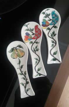 China Painting, Ceramic Painting, Ceramic Spoons, Glass Wall Art, Plaque, Spoon Rest, Fused Glass, Pottery, Tableware