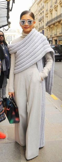 Jumbo scarf shawl knitted wrap worn by celebrity Zendaya Coleman