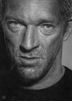 portrait de Vincent Cassel fusain de Vincent Haller sur papier gris 50 x 70 cm